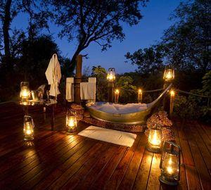 Luxus himmelbetten  Sternenbad und Himmelbett: 1001 Nacht auf Luxus-Safari im Okavango-Delta