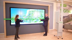 Interaktive Multi-Touch-Wand The VIEW (Foto: Schneider Electric)