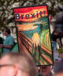 Very shocking: Brexit trifft, was COVID-19 schont (Foto: Fred Moon/unsplash.com)